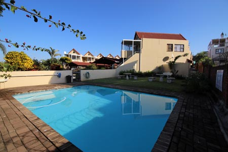 Seascape Lodge 40 - Uvongo - Sleeps 4 guests